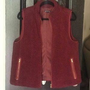J Crew Sherpa Fleece Vest Size M Crimson